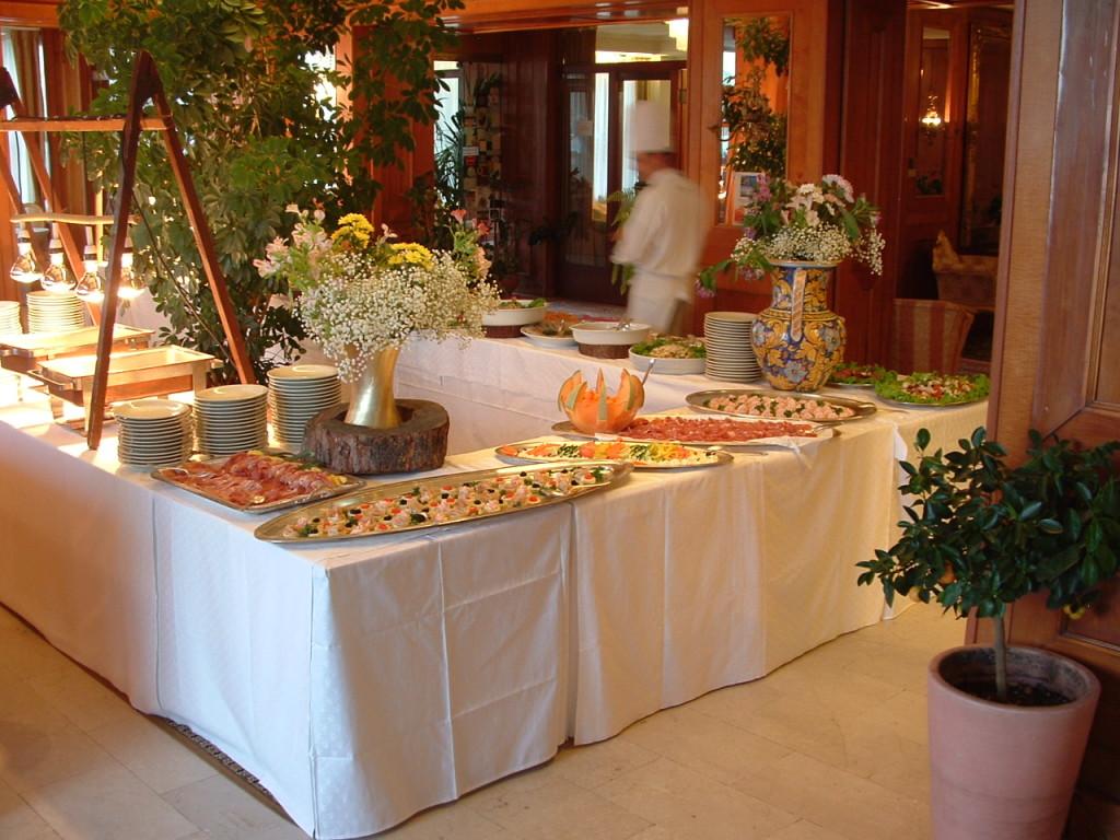 buffet serate a tema