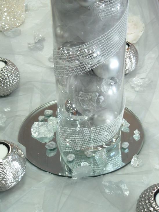 Allestimento grigio perla e bianco Matrimonio d'inverno