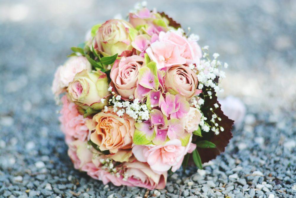 WEDDING bouquet-2513555_1920