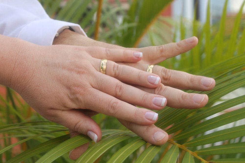 WEDDING hands-2247064_1920