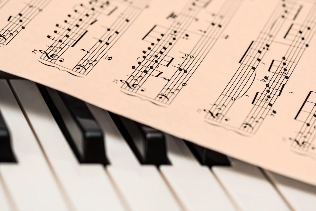 piano-1655558_1920 pixabay