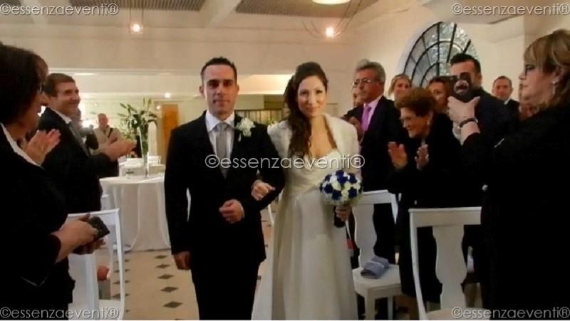 L'arrivo della sposa accompagnata dal fratello