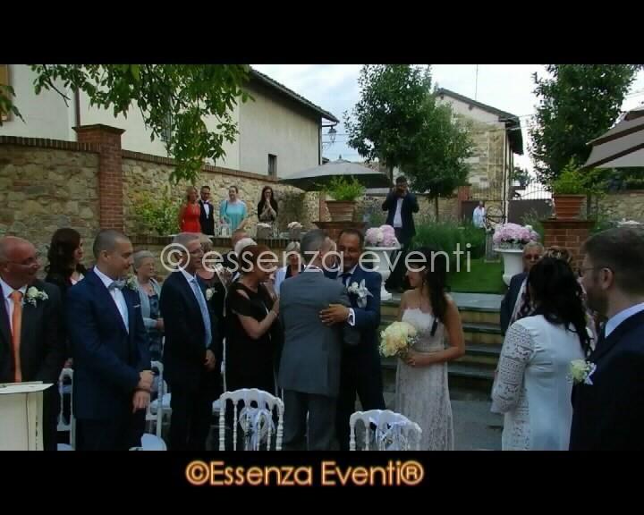 L'arrivo della sposa ed il saluto del papà allo sposo