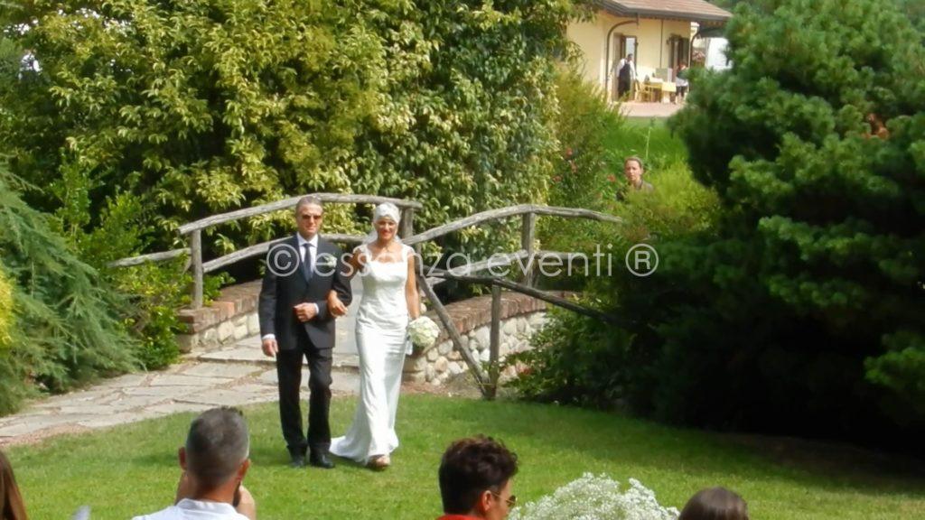 Ecco l'ingresso della sposa ... magia ed emozione
