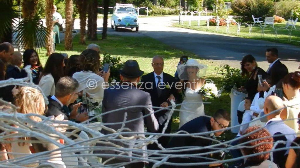 L'entrata della Sposa accolta da tantissimi applausi
