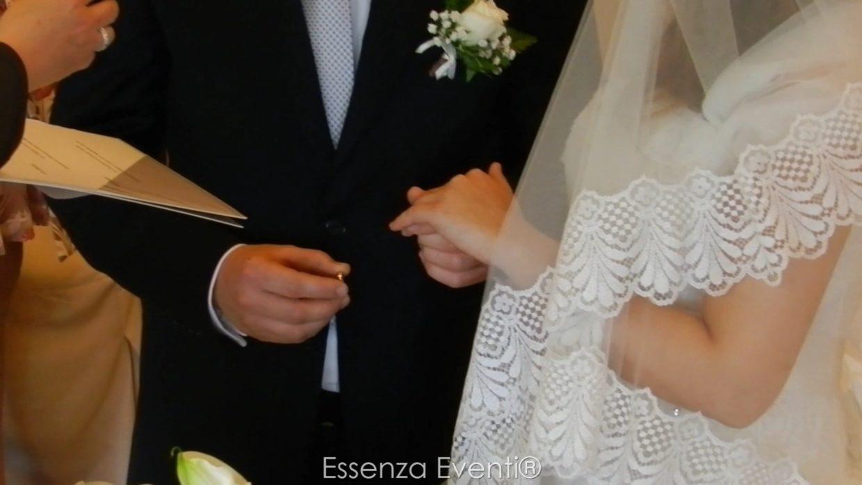 Matrimonio Simbolico Celebrante : Lo scambio degli anelli nuziali essenza eventi